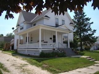 View from the street - The Miller Street Residence Lower - Kewaunee - rentals