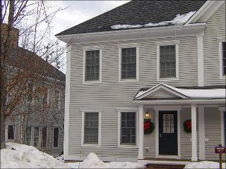 Simple Elegance in the Heart of Stowe Village - Spacious Tri-Level Townhouse (3002) - Stowe Area vacation rentals