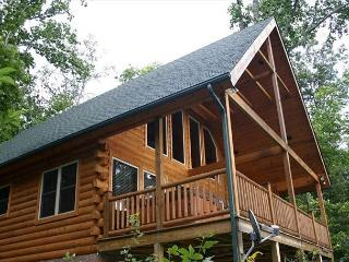 Log Cabin with Views, Hot Tub, River Access, Fishing Lake - Fleetwood Falls - Fleetwood vacation rentals