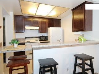 Cozy Condo in Mission Valley - Close to All! - Pacific Beach vacation rentals