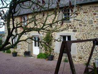 200yr old Gite <1 hr D-Day Beach with hot tub - Normandy vacation rentals