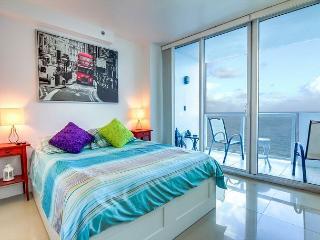 Splendid OCEAN VIEW 1 BR with BALCONY - Miami Beach vacation rentals
