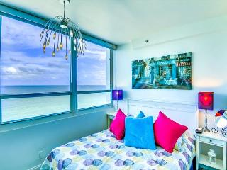 Beautiful Junior Suite with OCEAN VIEW - Miami Beach vacation rentals