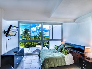 Townhouse for 6 RIGHT ON THE SAND ! - Miami Beach vacation rentals