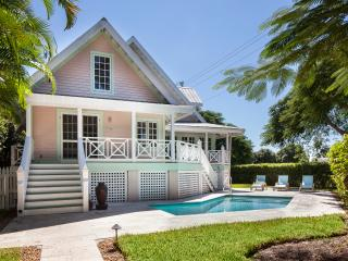 Old Naples' Royal Palm Cottage Walk to Beach and F - Naples vacation rentals