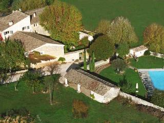 Villa Provence Upscale Provence Villa - Goult vacation rentals