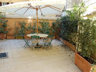 Lovely 3 bedroom Rome Apartment with A/C - Rome vacation rentals