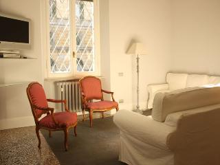 Trastevere Luxury Large Apartment - Rome vacation rentals