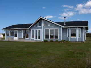 BEACH FRONT CHALET,PRINCE EDWARD ISLAND,3 BEDROOMS - Mount Stewart vacation rentals