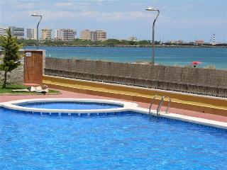 Front line - Sea Views - Balcony - Communal Pool - WiFi Available - 0507 - La Manga del Mar Menor vacation rentals