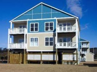 2 bedroom Condo with Shared Outdoor Pool in Pine Knoll Shores - Pine Knoll Shores vacation rentals