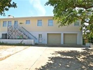 4 bedroom House with Internet Access in Pine Knoll Shores - Pine Knoll Shores vacation rentals