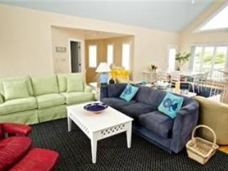Spacious House with Internet Access and Shared Outdoor Pool - Pine Knoll Shores vacation rentals