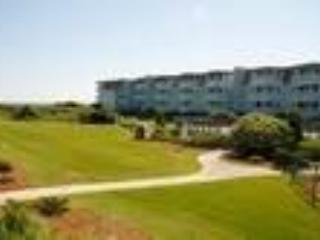 2 bedroom Condo with Shared Outdoor Pool in Morehead City - Morehead City vacation rentals