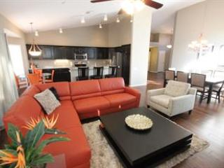 Comfortable House in Scottsdale with Balcony, sleeps 10 - Scottsdale vacation rentals
