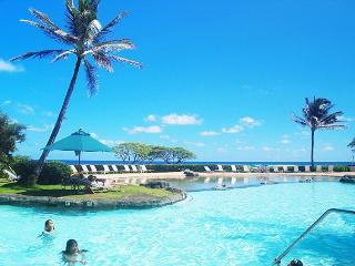 Kauai Beach Resort 3310: Affordable full-service beachfront resort - Princeville vacation rentals