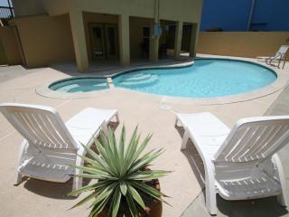 Fabulous duplex near the beach& boast a large pool - South Padre Island vacation rentals