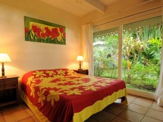Villa Belle Epoque -TAHITI- beachfront near city - Papeete vacation rentals