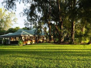Villa Belle Epoque -TAHITI- beachfront near city - Papeete vacation rentals