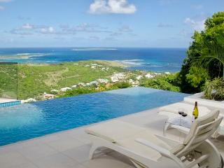 L'AGUA... fabulous 2 BR contemporary villa with breathtaking views - Saint Martin-Sint Maarten vacation rentals