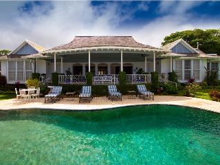 PARADISE PMP - 97649 - ELEGANT 5 BED VILLA | GYM | POOL | GREAT VIEWS - RUNAWAY BAY - Montego Bay vacation rentals