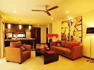 Perfect 1 bedroom Senggigi Villa with Deck - Senggigi vacation rentals