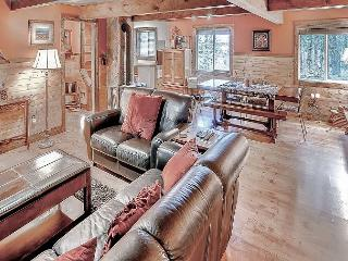 Relaxing Private Cabin in the woods! Hot Tub, Wi-Fi* Slps8 * Winter Specials - Cle Elum vacation rentals