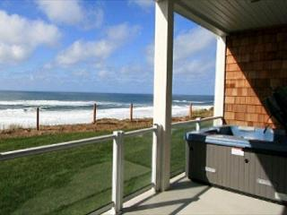 Open 10/2-4 Whispering Waves Hot Tub Oceanfront - Lincoln City vacation rentals