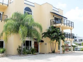 SERENITY BAY VILLAS -Upstairs-60ft Dck-200Ft Water - Tavernier vacation rentals