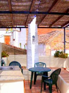 CASA LA PUERTA AZUL luxurious summer retreat, WIFI - Albunuelas vacation rentals