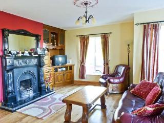 DUNNAVILLA HOUSE family-friendly, en-suite facilities, open fire in Oughterard Ref 20752 - Oughterard vacation rentals