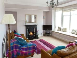 MOUNTAIN VIEW, spacious apartment, stunning views, promenade location, in Arnside, Ref 20672 - Arnside vacation rentals
