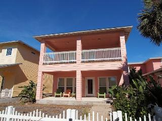 3 bedroom 2.5 bath home in Gated Villagewalk! - Port Aransas vacation rentals