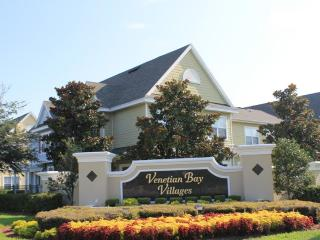 Luxurious 3 Bedroom with Pool and Jacuzzi, near Disney - Kissimmee vacation rentals