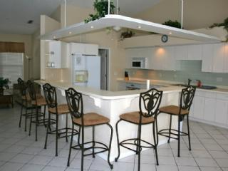 Great Island location with boating access - Marco Island vacation rentals