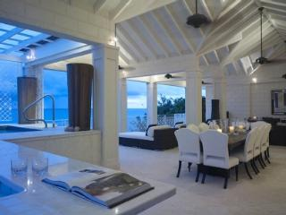 Smugglers Cove 7 - The Penthouse - Holetown vacation rentals