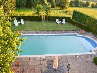 NORTON GRANGE, open fires, swimming pool, parking, garden, in Worcester, Ref 19077 - Shottery vacation rentals