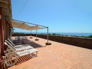 Seafront 2-rooms apartment with panoramic views! - Giardini Naxos vacation rentals