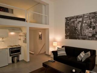 Parioli Hi Tech Studio, centrally located. - Rome vacation rentals