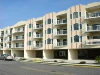 *** BEAUTIFUL CONDO sleeps 9 w/Ocean View Wildwood Crest - Wildwood Crest vacation rentals
