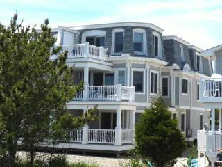 3081 Avalon Avenue - Avalon vacation rentals