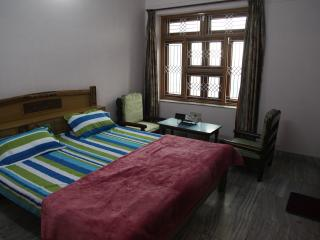Guest house bungalow - Bed & Breakfast - Allahabad vacation rentals