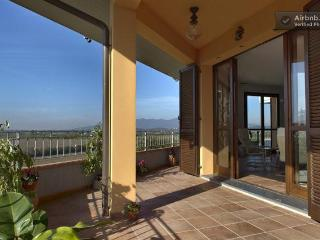 Amazing Tuscan home with views! - Pontedera vacation rentals
