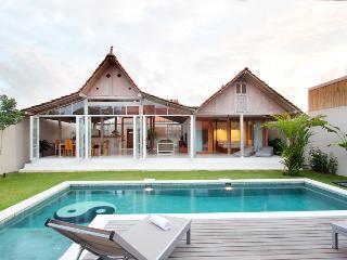 Umalas - Bali Private Villa Antique Limasan House - Umalas vacation rentals