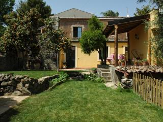 il pozzo e l'ulivo - a slow living style - - Acireale vacation rentals