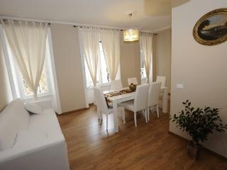 CR863 - Saint Peter House Al Passetto di Borgo - Rome vacation rentals