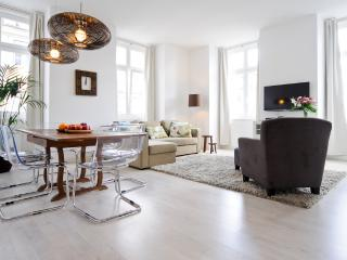 Comfort class & convenience: Historic Centre (CS2) - Lisbon vacation rentals