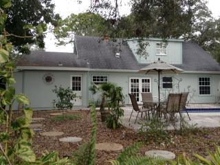 4 Bedroom Cottage Nestled in the Heart of Sarasota - Sarasota vacation rentals