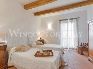 White Retreat 9 - Windows On Italy - Magliano in Toscana vacation rentals