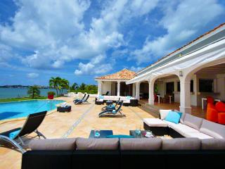 St. Martin Villa 43 Witness A Panoramic Daytime Scenery Giving Way To A Spectacular Nighttime Atmosphere. - Terres Basses vacation rentals